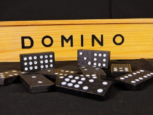 dominoqq casino game